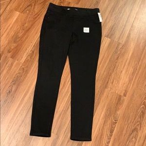 NWT Old Navy stretch black jeggings